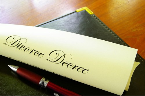 What is the difference between a decree nisi and a decree absolute in divorce law
